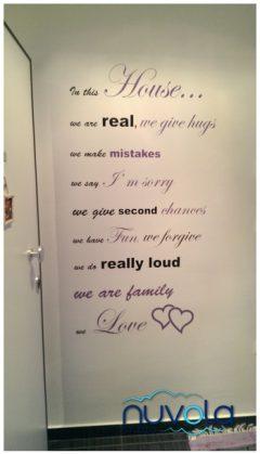 Zidna naljepnica citat po želji, napravljena u dvije boje